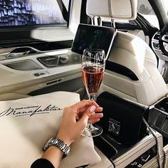 @ María L ❤ - estilo de vida - estilo de vida saludable - estilo de vida millonario - estilo de vida mujer - estilo de vida ideas Boujee Lifestyle, Luxury Lifestyle Fashion, Luxury Fashion, Wealthy Lifestyle, Luxury Girl, Life Of Luxury, Bad And Boujee, Billionaire Lifestyle, Luxe Life