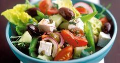 New Recipe of the Week: Greek Salad from Leah Sarago! This delicious recipe for Greek Salad can not only be enjoyed for one day, but throughout the week! Easy Greek Salad Recipe, Greek Salad Recipes, Easy Brunch Recipes, New Recipes, Healthy Recipes, Picnic Recipes, Easy Recipes, Best Mediterranean Food, Picnic Foods