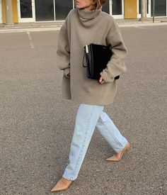 We're Living for This Chic, Minimal Fall Look (Le Fashion) - Autumn Sweater Looks Style, Looks Cool, Style Me, Style Blog, Look Fashion, Fashion Outfits, Womens Fashion, Fall Fashion, Minimal Fashion Style