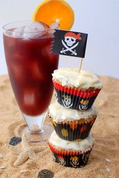 Drunken Sailor Rum Cupcakes with Pineapple Frosting and a Rum Runner cocktail | Boulder Locavore