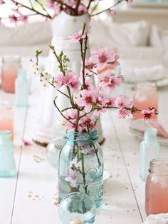 beautiful organic centerpieces for the home #masonjar, #centerpiece, #floral