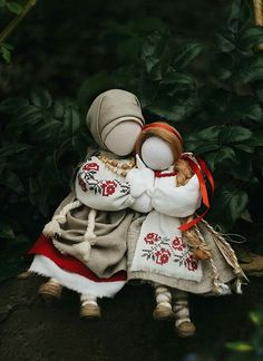 Ukrainian doll Motanka Burlap Crafts, Diy Crafts, Sewing Crafts, Sewing Projects, Ukrainian Art, Christmas Nativity, Fantastic Art, Felt Dolls, Cute Dolls