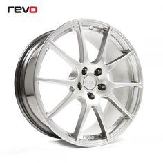 REVO - ľahký a zároveň tvrdý hlinikový disk, navrhnutý firmou Revo, vyrobený v Anglicku. Sada určená pre vozidlá Ford s roztečou 5x108.