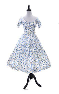 Dressing Vintage - 1950s Silk Designer Mollie Parnis vintage dress with short jacket, $595.00 (http://dressingvintage.com/1950s-silk-designer-mollie-parnis-vintage-dress-with-short-jacket/)