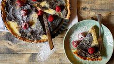 Křehké těsto amascarpone je zaručená kombinace. Pokud přidáte do náplně ještě mák avytvoříte krásné jednoduché mramorování, máte na stole dokonalý moučník. Waffles, French Toast, Cheesecake, Food And Drink, Pie, Meals, Dishes, Breakfast, Ethnic Recipes