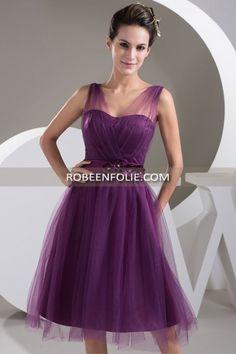Tenue de fête femme en tulle violet avec ceinture satinée avec fleurs