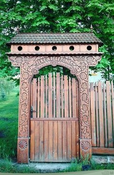 Fence Gate, Fences, Wood Carving, Budapest, Folk Art, Entryway, Outdoor Structures, Traditional, Architecture