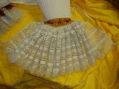 Kadrle - zakončení dámských rukávů, Blatnice pod Sv. Antonínkem. Folk clothing from Blatnice pod Sv. Antonínkem (Czech Republic).