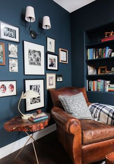 Cozy reading nook with great gallery wall - love the Hague Blue walls decor blue walls The Reading Nook + Get The Look - Emily Henderson Living Room Decor, Living Spaces, Snug Room, Cozy Room, Style Deco, Blue Rooms, Blue Living Rooms, Dining Room Blue, Family Room Design