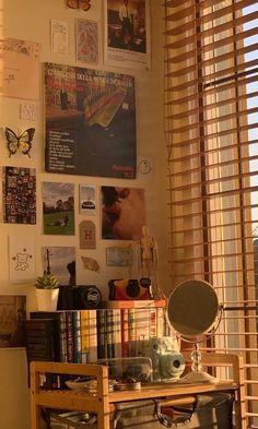 Indie Room Decor, Cute Room Decor, Room Design Bedroom, Room Ideas Bedroom, Bedroom Inspo, Cute Room Ideas, Pretty Room, Vintage Room, Aesthetic Room Decor