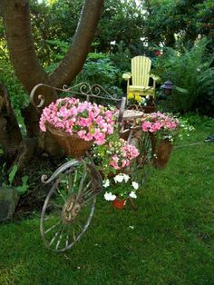 cute garden idea - turn vintage bicycle into pretty garden planter
