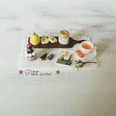 * Petit sucre´からのクリスマスセット * . こちらのセットもメルカリで販売致します。 . . ジャム瓶の蓋は開閉出来ます☺ . . #ミニチュア #ミニチュアスイーツ #ミニチュアフード #ドールハウス #ハンドメイド #ハンドメイド雑貨 #ラフランス #クリスマス雑貨 #メルカリ #miniatures #miniature #miniaturesweets #miniaturefood #dollhouse #fakefood #polymerclay #handicraft #handmade #dailypic