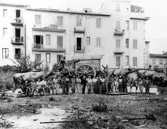 Monumento a La Carreta de José Belloni antes de ser embarcado a Uruguay desde los talleres de la fundición Marinelli.
