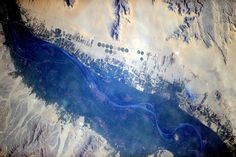 Just outside Cairo. How a river like the Nile can affect the landscape! #Egypt #HelloEarth   Credits: ESA/NASA  [127A8401]