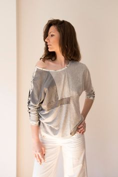 Экомода. Unique Sustainable White Grey Patchwork Crop TOP COMFYCHIC. Blusa sostenible hecha en Barcelona