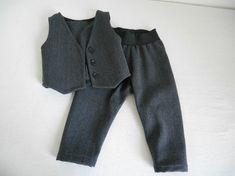 "1 ÅR. ""Blådress"" til gutt. - Epla Sweatpants, Fashion, Moda, Fashion Styles, Fashion Illustrations"