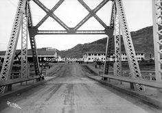 Approach to mason City from Highway Bridge, 1936 Grand Coulee Dam, Mason City, Bridge, History, Travel, Collection, Historia, Viajes, Bridge Pattern