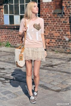 Light-pink-river-island-shirt-camel-bag-beige-sneakers
