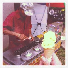 """Philippine Street Food: Delicious """"dirty ice cream"""" (although it is not really dirty)"""