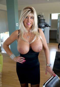 Mature Busty Breast Sexpics 106