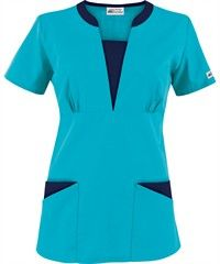 I like this style top. Lots of cute scrubs Cute Scrubs, Uniform Advantage, Scrubs Uniform, Work Uniforms, Medical Scrubs, Work Looks, Scrub Tops, Suit Fashion, Costume