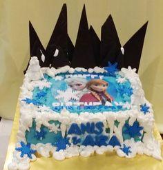 Frozen Edible with Chocolate icebergs #edibleimage #sweetcreation20 #chocolatemoist #frozen #birthday