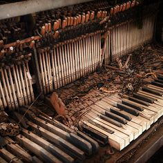 old piano - amazing! @danielleh225 thanks for sending me this, it's really cool!