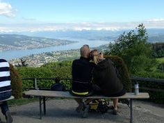 See the mountains covered by snow from the vantage point of Uetliberg!