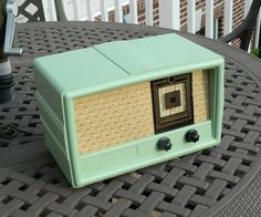Antique 1955 Constellation / Gulf AM Radio Model 1135