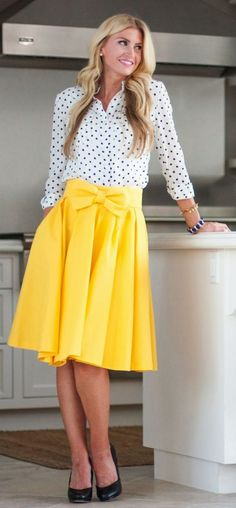 Ideas for how to wear yellow skirt polka dots Long Tutu, Cute Modest Outfits, Trendy Dresses, Bow Skirt, Dress Skirt, Chiffon Skirt, Yellow Skirt Outfits, Yellow Dress, Sarah Walker