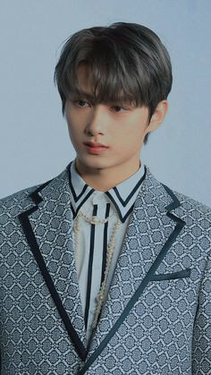 Seventeen Junhui, Wen Junhui, Seventeen Wallpapers, Pledis 17, Pledis Entertainment, Wonwoo, Of Wallpaper, Aesthetic Fashion, Make You Smile