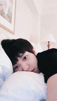 Baekhyun, Chanyeol Cute, Park Chanyeol Exo, Exo Ot12, Chanbaek, Exo Lockscreen, Exo Memes, Street Dance, Boy Pictures