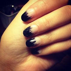 Messy tips would look hot with a color base.
