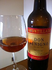 Amontillado - an excellent apertif sherry usually served slightly chilled, and may be served either as an apéritif, or as an accompaniment to food such as chicken or rabbit. I will definitely try with my next poulty meal and expect a luscious bandy, sherry or cognac type drink for pre-meal sipping.