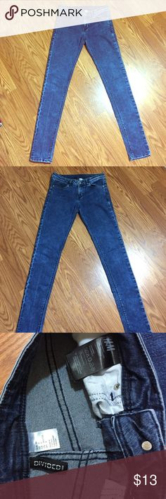 H&M BLUE SKINNY JEANS❤️ FADED blue skinny jeans very sassy! Love it barely used all great condition it's size US 8 means size 27 in waist if a size 3 & can still fit in❤️ H&M Jeans Skinny