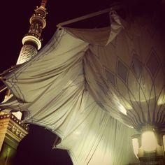 The pillars of Masjid ul Nabi open up into umbrellas to shade the worshippers