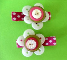 Flower Button Hair Clips!  Made with vintage buttons and ribbon.