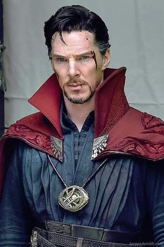WAIT HES DOCTER STRANGE?! I wasn't considering watching the movie until now