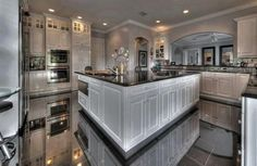I chose this kitchen because I would like to have one like this one day.