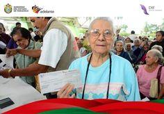 Veracruz Reciben adultos mayores de Poza Rica último pago trimestral de pensión alimenticia