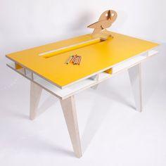 BB +++  Insekt desk - Yellow  890,00 €