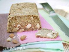 Ich liebe frisches Brot. Leider ist das Brot häufig mit Weizenmehl, das tut nicht wirklich gut und gehört zu den kurz-kettigen Kohlenhydraten. D.h. der Körper verwertet es zu schnell und setzt es sofort in Zucker um, und das macht, besonders abends ...