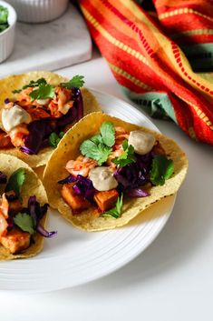 These gochujang tofu and kimchi tacos with sunbutter sauce are bursting with sweet, salty, and spicy flavours. They're also packed with protein, making them an ultra satisfying vegan meal! Healthy Meals For Kids, Healthy Dinner Recipes, Healthy Eating, Buffet, Tofu Tacos, Brunch, Cooked Cabbage, Tofu Recipes, Vegetarian Recipes