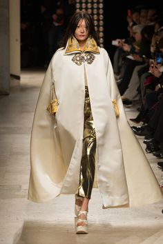 Vivienne Westwood | Paris Fashion Week | Fall 2016 - welcome in the world of fashion