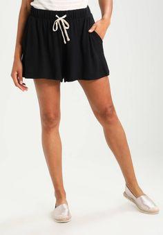 GAP. Shorts - black. #zalandoDE #shorts #fashion Details:elastischer Bund. Modelgröße:Unser Model ist 180 cm groß und trägt Größe S. Beininnenlänge:12 cm bei Größe S. Hosentaschen:Seitentaschen. Material Oberstoff:68% Viskose, 29% Polyester, 3% E...