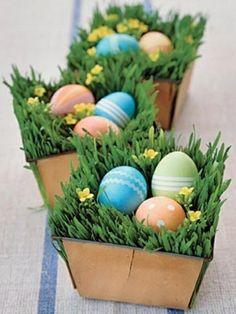 Originelle Blumendekoration zu Ostern - festlich