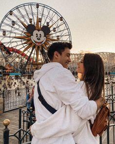 Disneyland Couples, Disney Couples, Cute Disney Pictures, Cute Couple Pictures, Cute Boyfriend Pictures, Couple Pics, Cute Relationship Goals, Cute Relationships, Cute Couples Goals
