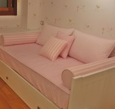 Cama nido Ikea con un toque Cerezo Diy Sofa, Bedroom Couch, Sofa Bed, Small Space Solutions, Bed Storage, Shabby Chic Homes, Dream Rooms, Luxurious Bedrooms, Bedrooms
