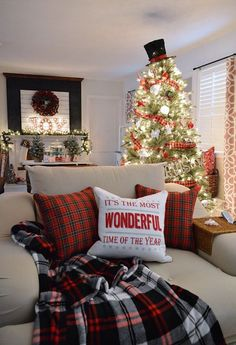 I know, I know... I'm not a traditional Christmas decorations kind of girl! I love my blue and white decorations... silver is still my jam BUT my hubby love