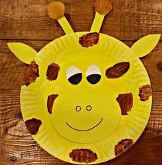 Die scheve ogen maken deze giraf extra schattig